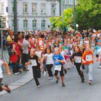 Bild Der Start der jüngsten Teilnehmer beim 18. Stadtlauf auf dem Postplatz